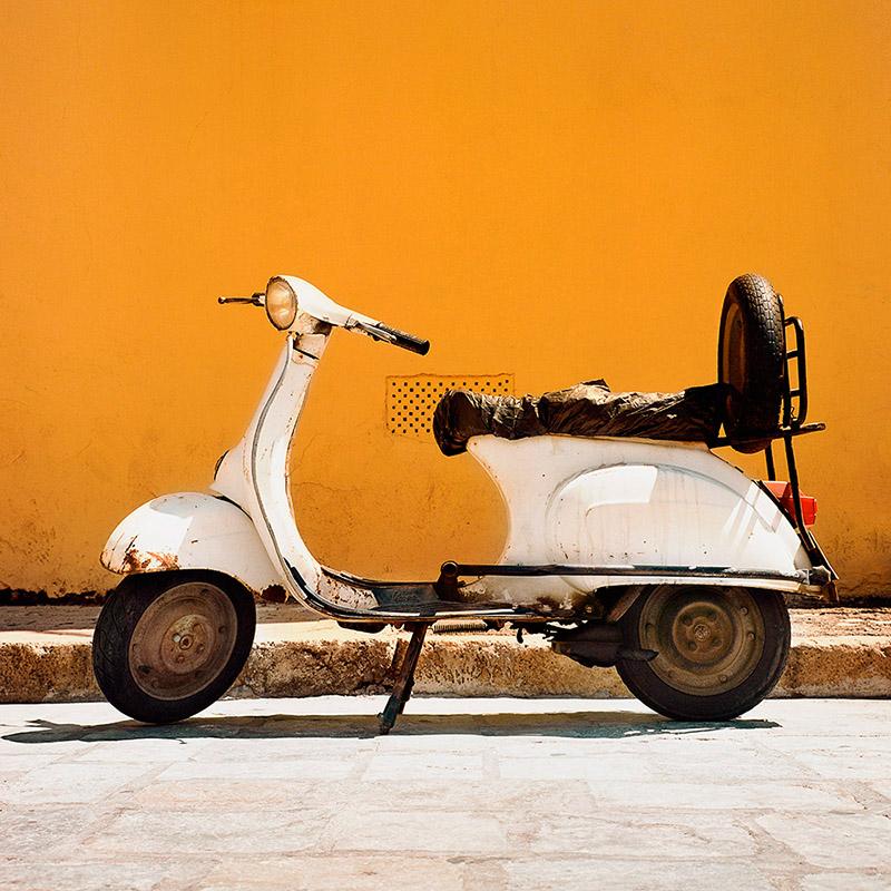 Grecja Kos 2012 - biała wespa (web szer 800px)